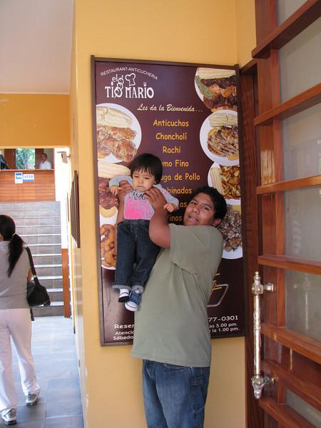 Ready for some anticuchos at Tio Mario's en Barranco.<br /> <br /> Listos para unos anticuchos en el Tio Mario's de Barranco.
