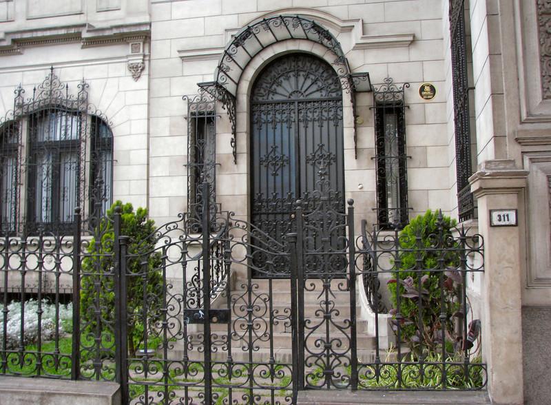 Amazing house in the heart of Miraflores...<br /> <br /> Hermosa casa en el corazon de Miraflores...