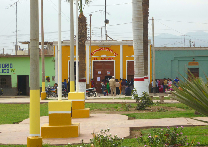 The City of El Carmen.<br /> La ciudad de El Carmen.