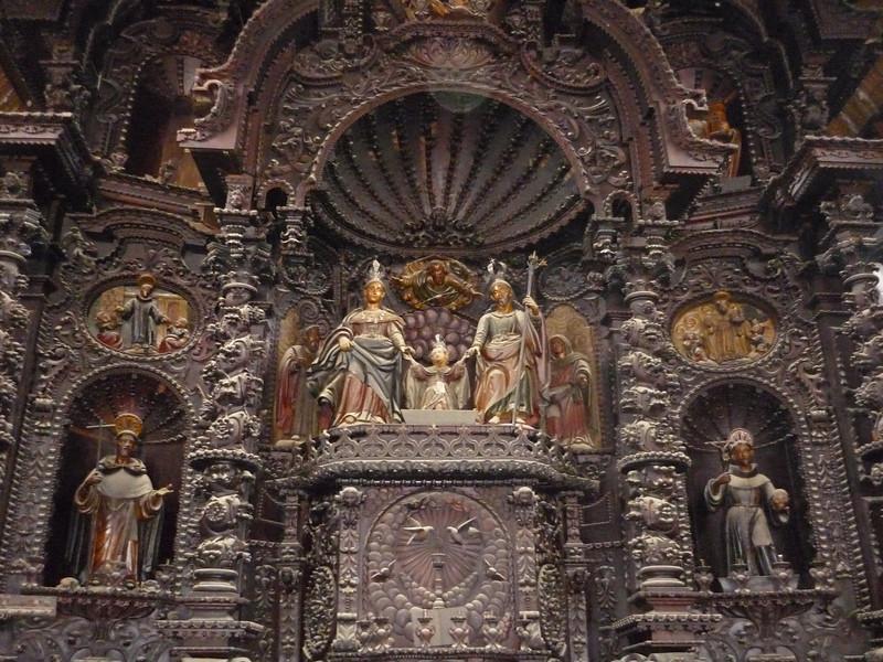 Main altar, sans ghosts...  It was made of wood and it was all dusty due to the reconstruction efforts.<br /> Altar principal, sin fantasmas claro... Estaba hecho de madera y estaba todo enpolvado debido a los trabajos de reconstruccion.