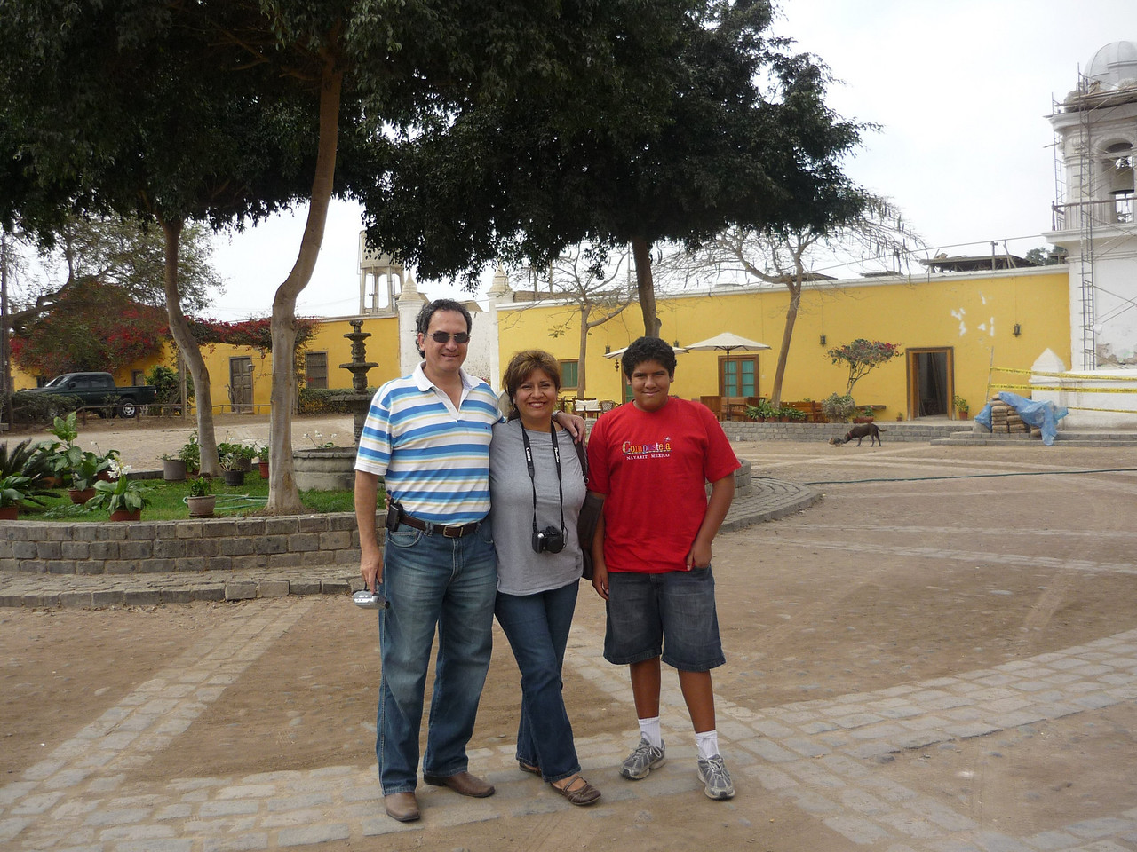 The family in the San Jose Hacienda!<br /> La familia en la hacienda San Jose!