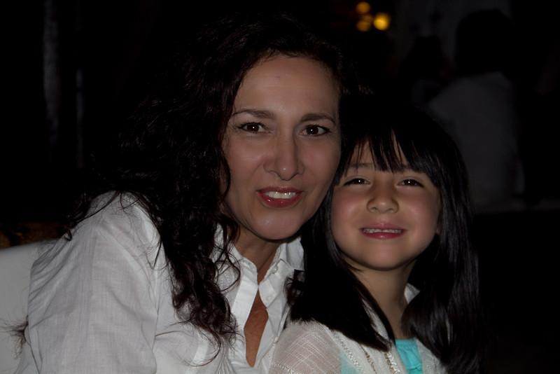 Angela y Monica