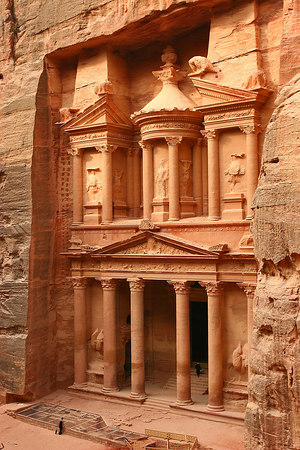 The Kezneh (The Treasury), a Nabatean tomb erected 20 centuries ago, Petra, Jordan.