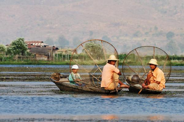 Inthas fishermen, Inle lake, Myanmar.