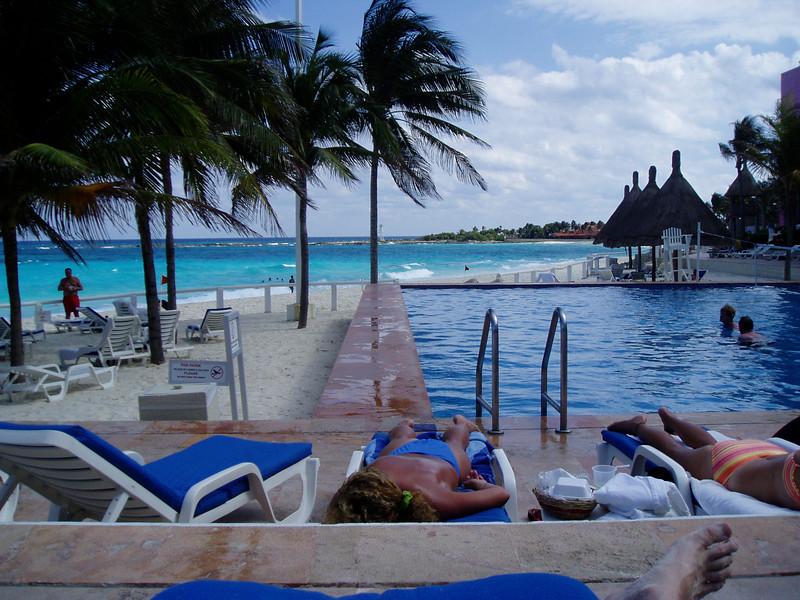 Westin Pool - Cancun