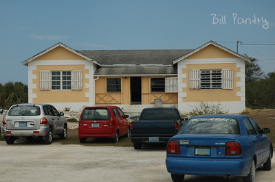 Bahamas, Long Island, Queens Hwy