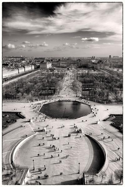 Ferris wheel; paris; grande roue; grande roue de Paris; Tuileries, Louvre, Paris, paris jardin, paris garden