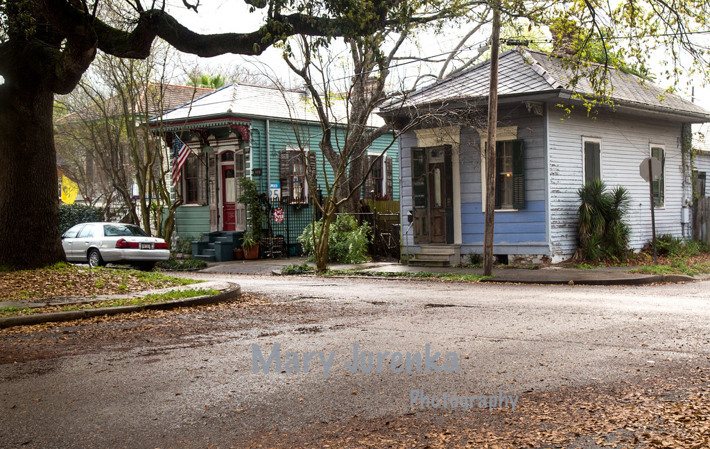 """Shotgun"" Houses in New Orleans Bywaters Neighborhood"