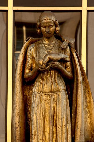 Golden statue at Trocadero