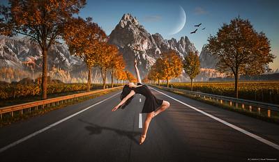 2020.15 - Dancing Girl