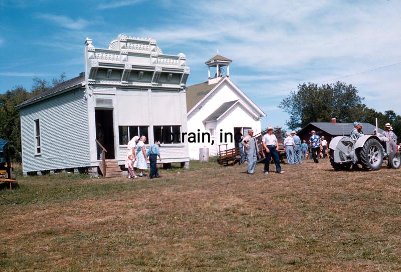 USA1960090111 - USA, Mount Pleasant, Iowa, 9-1960