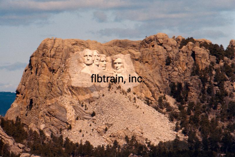 USA1074090020 - USA, Mount Rushmore NP, South Dakota, 9-1974