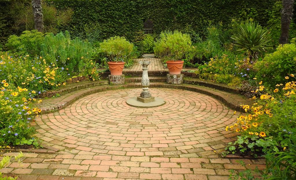 Mrs. Winthrop's Garden, Hidcote