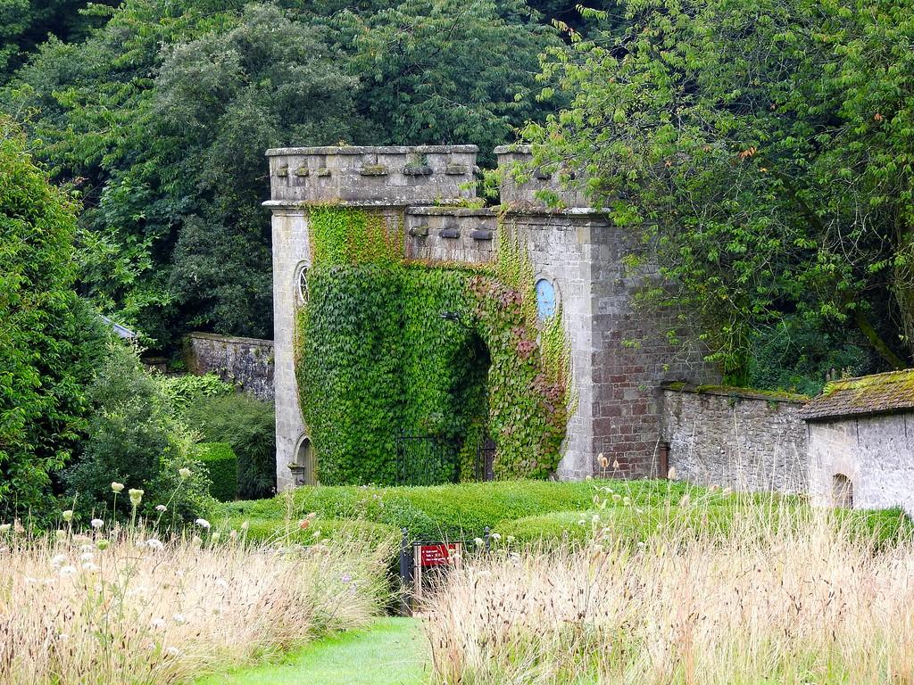 Stourhead Gate