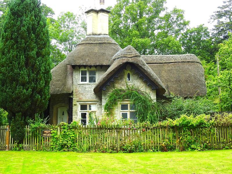 Longleat Cottage