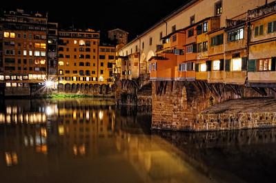 Ponte Vecchio at night.