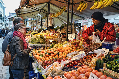 Venice Fruit & Vegetable Stand