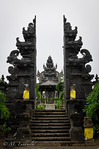 Ponjok Batu Temple