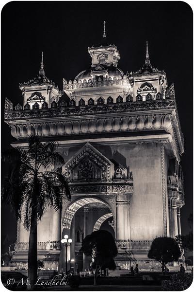 Patuxay Monument