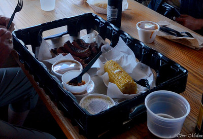 carry your food in a deep tray because there is a lot of it and its good