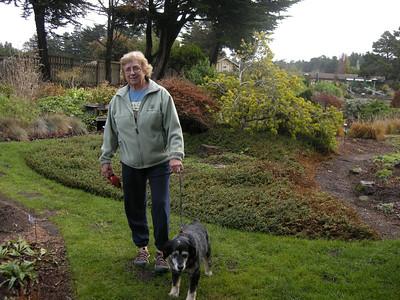 the Mendocino Botanical gardens are dog friendly