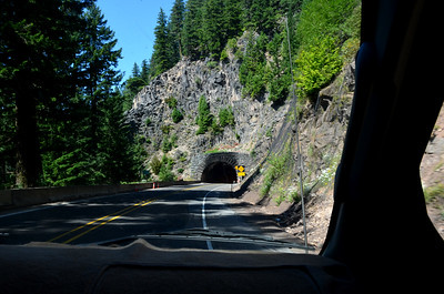 here comes the tunnel on the west side of Willamette Pass