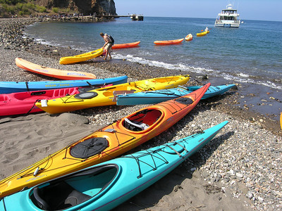 Stringing the kayaks behind