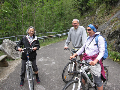 Jan, Sissi and Steve - having way too much fun biking