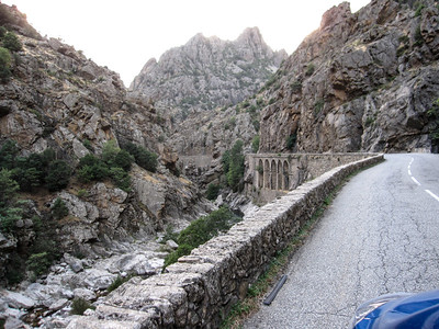 Road to Calacuccio -
