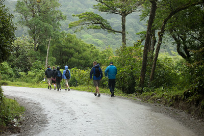 walking to the Monteverde park entrance