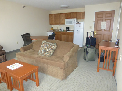 03_Suite living area and kitchen