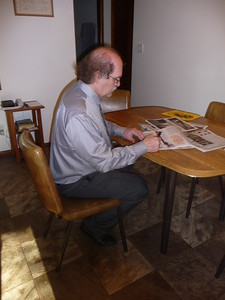Al enjoys doing crosswords and word games