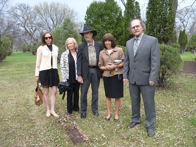 Andrea, Sally, Paul, Shirley, and Al at Riverside Cemetery