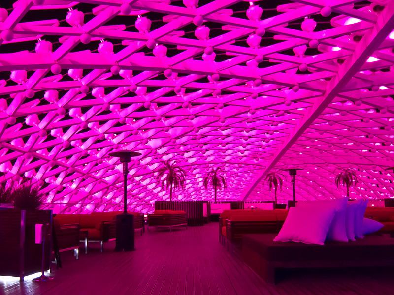 Yas Hotel, Abu Dhabi, grid shell roof bar.