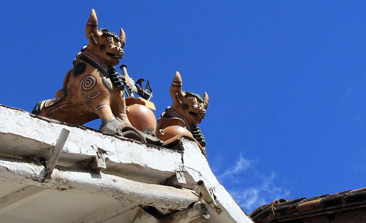 Bulls placed on top of houses to represent native religion