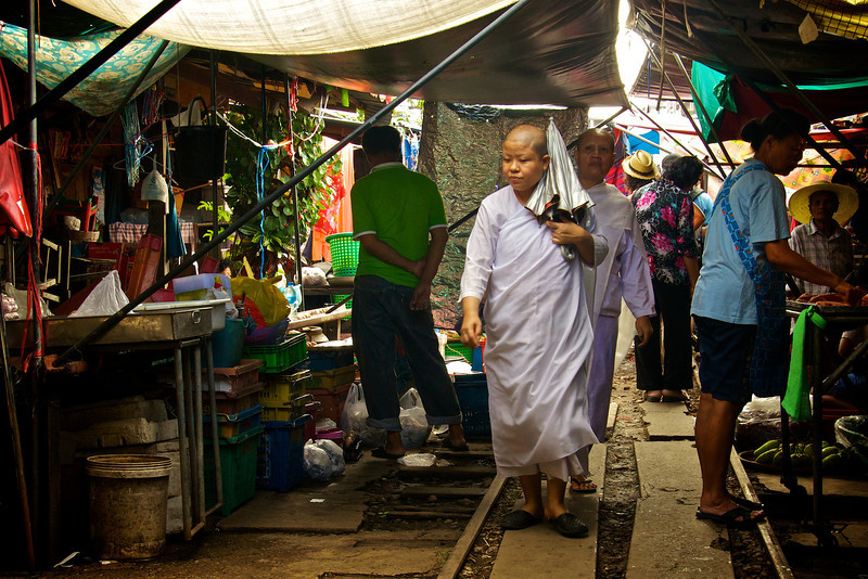 Nuns shopping railroadway market - Samut Songkhram - southwest of Bangkok