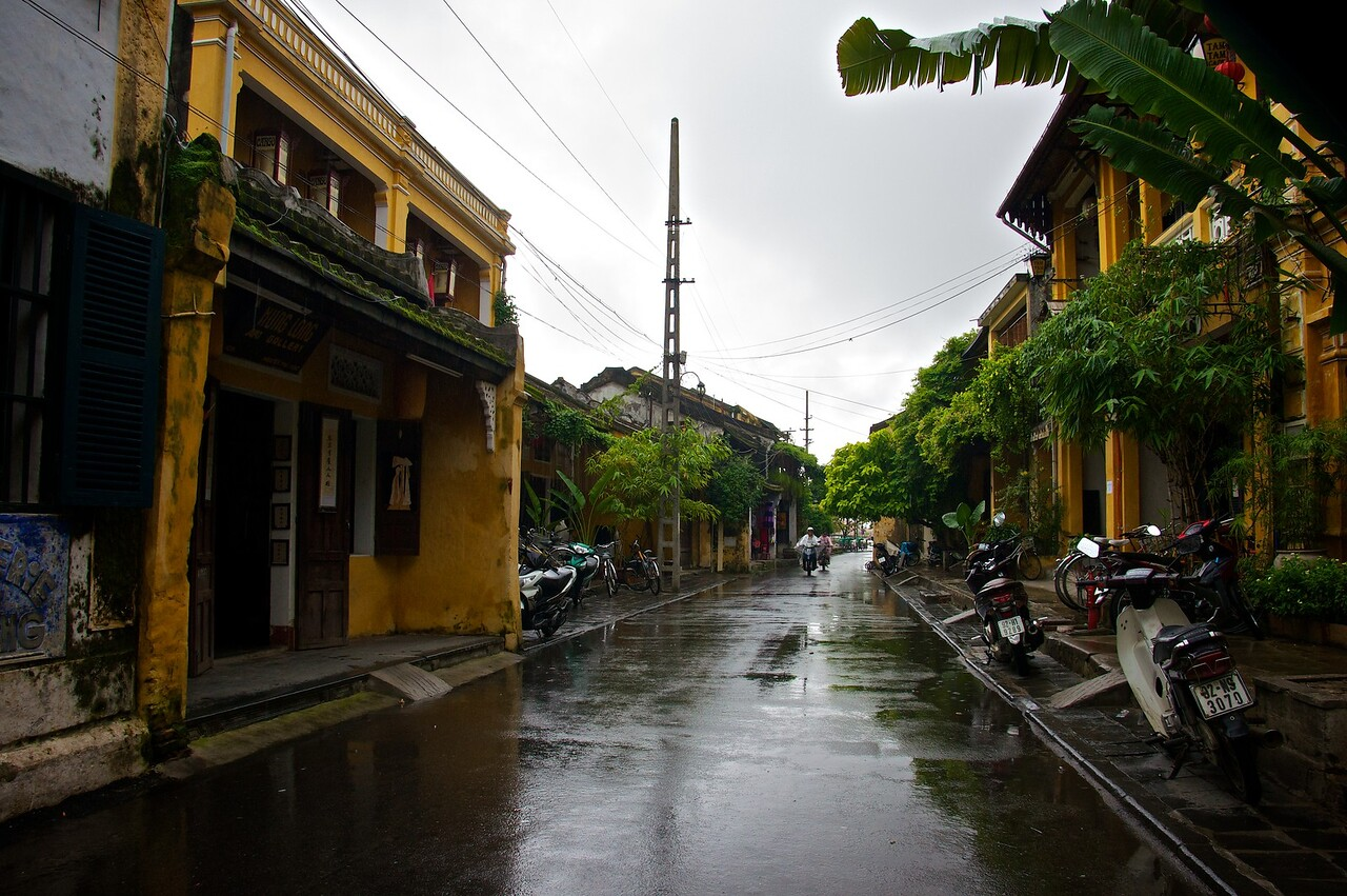 Rainy street Hoi An