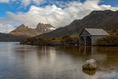 Dove Lake Boatshed