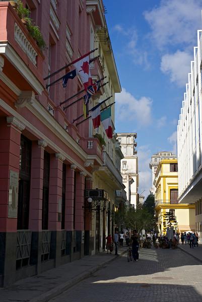 Habana Vieja street scene