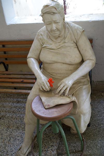 Memorial to a chamber maid at San Fernando Art School