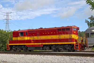 Tennessee Valley Railroad Museum      Grand Junction. GP-9 type diesel-electric locomotive built by Electro-Motive  Division in 1950 for the Nashville, Chattanooga and St. Louis Railroad. Chattanooga, TN, 07/13/2019 This work is licensed under a Creative Commons Attribution- NonCommercial 4.0 International License
