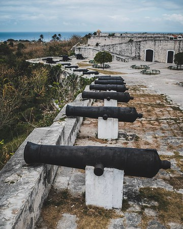 Cannons at Fortaleza de San Carlos de la Cabaña