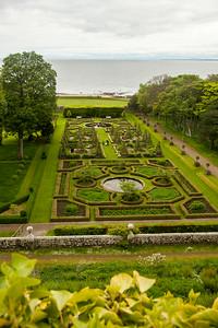 Dunrobin Gardens