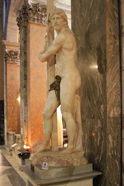 Santa Maria Sopra Minerva - Michelangelo's Christ the Redeemer 1