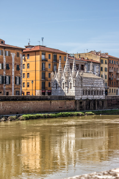 Santa Maria della Spina and Arno