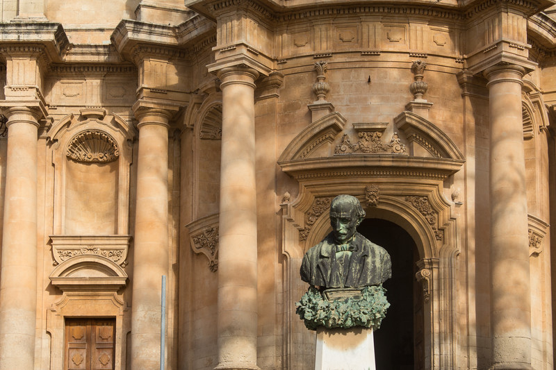 Noto - Facade and Bust