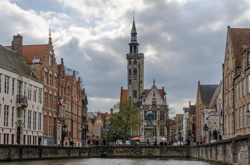 Jan van Eyckplein from Canal