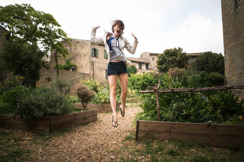 Jennifer thrilled to have found garden beds!