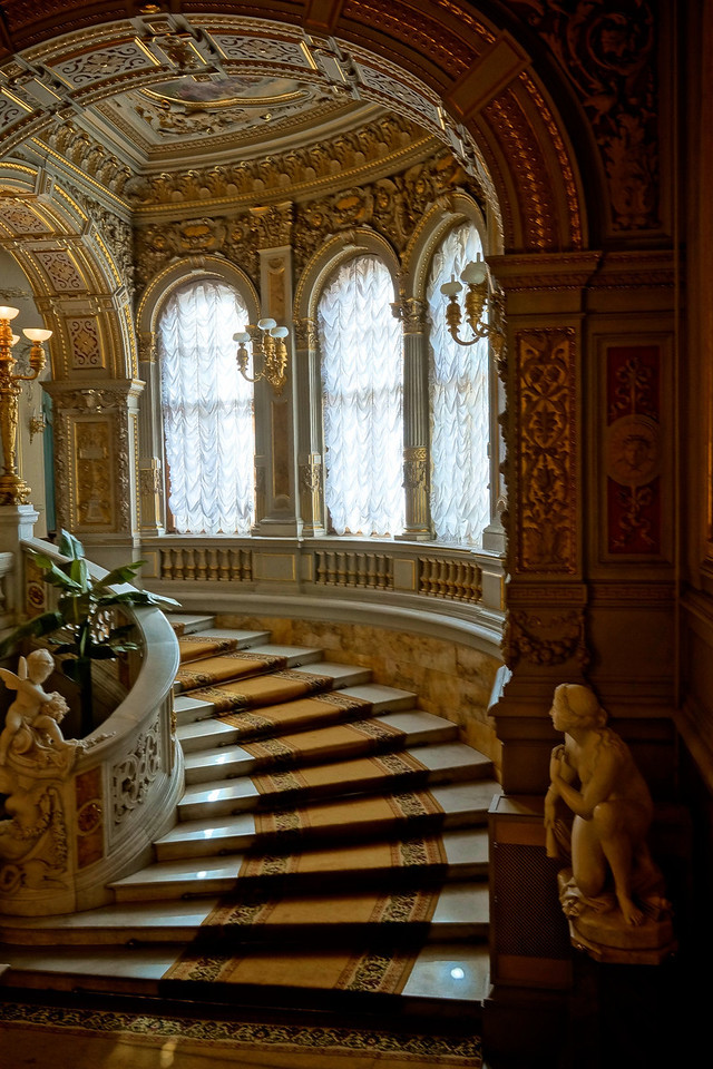 Grand Staircase, Vladimir's Palace.