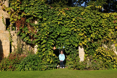 Lisa on the Sudeley Castle grounds